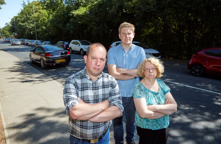 Parking restrictions to be put in force to tackle issues on Aberford Road