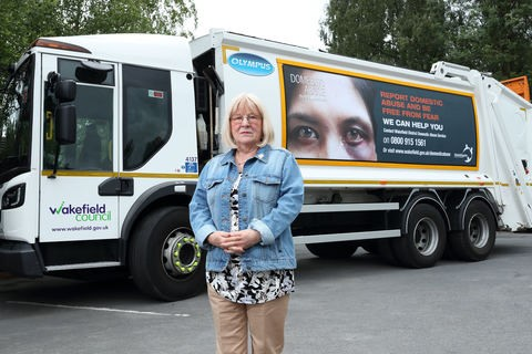 Cllr Maureen Cummings highlights Wakefield Council domestic abuse campaign
